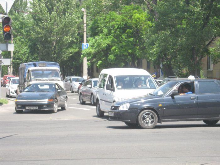 В центре Мариуполя повсеместно выходят из строя светофоры (ФОТО), фото-2