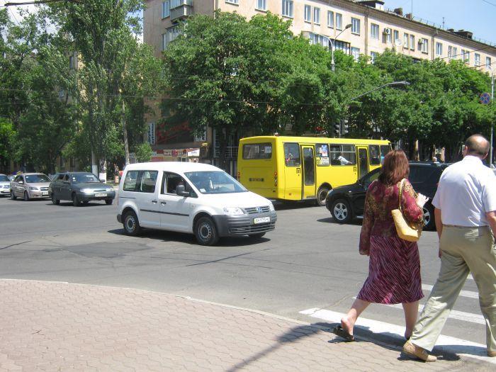 В центре Мариуполя повсеместно выходят из строя светофоры (ФОТО), фото-1