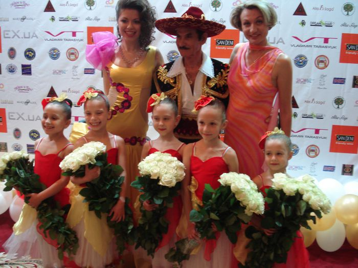 Мариупольская школа классической хореографии Елены Берковой выступила на балу , фото-2