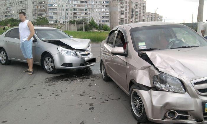 В Мариуполе не разъехались два «Шевроле», водителем одного из которых был работник ГАИ (ФОТО), фото-4