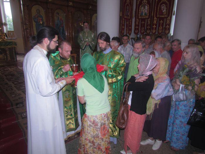 Сегодня православные и католики празднуют Троицу (ФОТО) , фото-3