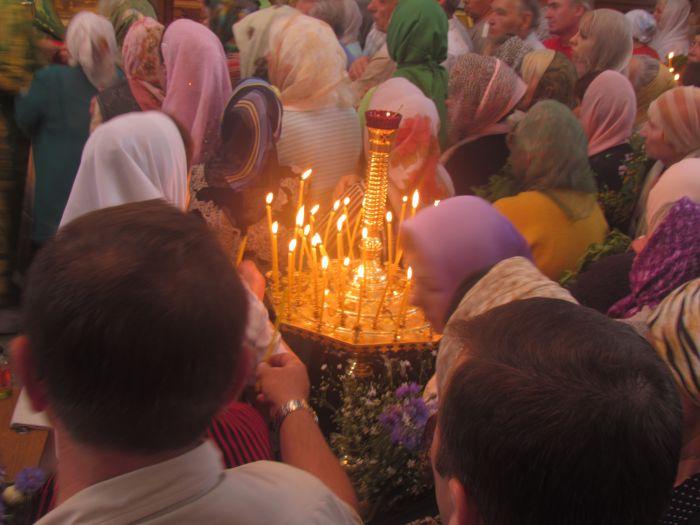 Сегодня православные и католики празднуют Троицу (ФОТО) , фото-2