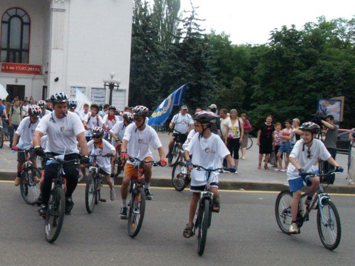 Из Мариуполя стартовал велотур «Украине без сирот» (ФОТО), фото-1