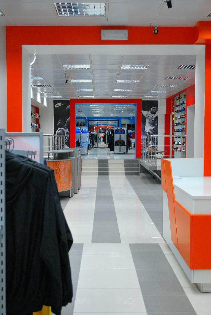 В Мариуполе  самый крупный спортивный магазин  дарит всем «молодежные» скидки (ФОТО), фото-7