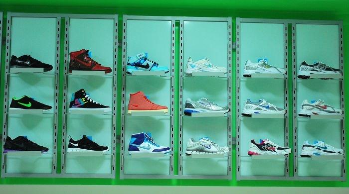 В Мариуполе  самый крупный спортивный магазин  дарит всем «молодежные» скидки (ФОТО), фото-6