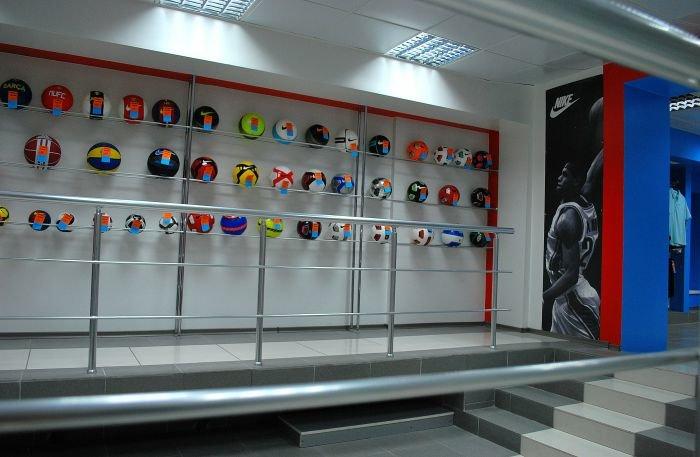 В Мариуполе  самый крупный спортивный магазин  дарит всем «молодежные» скидки (ФОТО), фото-2