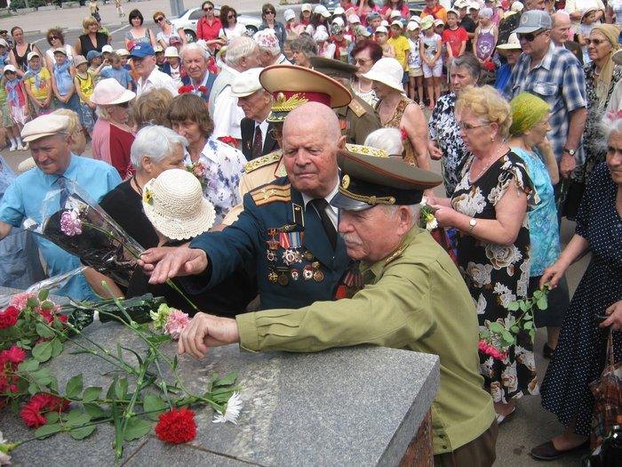 В 70-ю годовщину начала Великой Отечественной войны в Мариуполе почтили память погибших (ФОТО), фото-12