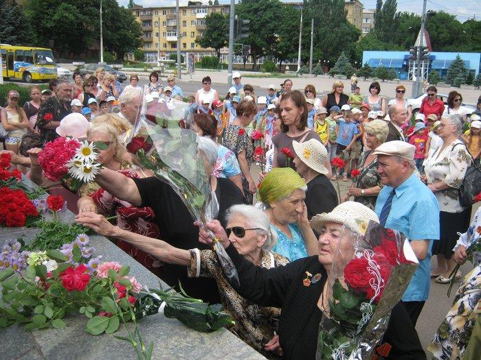 В 70-ю годовщину начала Великой Отечественной войны в Мариуполе почтили память погибших (ФОТО), фото-11