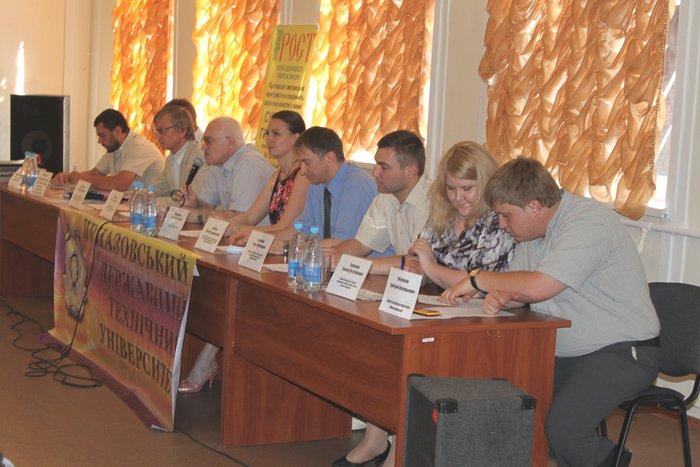 Вручены сертификаты первым выпускникам «Мариупольской бизнес-школы», фото-1