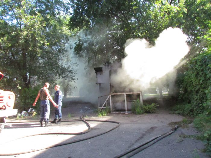 В Мариуполе горит подвал с сеном (ФОТО), фото-5