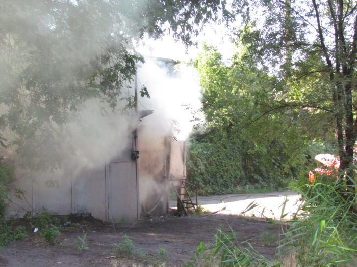 В Мариуполе горит подвал с сеном (ФОТО), фото-12