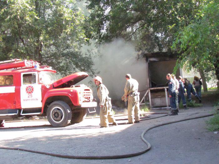 В Мариуполе горит подвал с сеном (ФОТО), фото-4