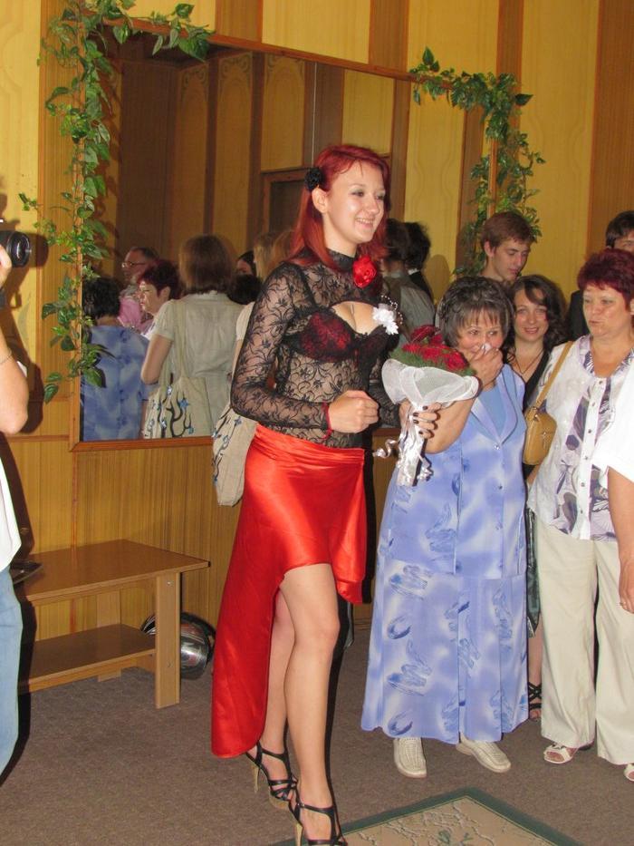В Мариуполе Алиса в желтом платье вышла замуж за шляпника без шляпы (ФОТО), фото-4