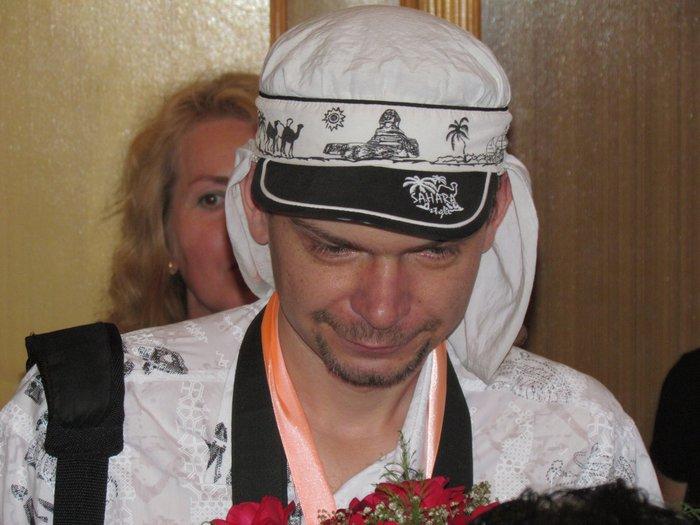 В Мариуполе Алиса в желтом платье вышла замуж за шляпника без шляпы (ФОТО), фото-5