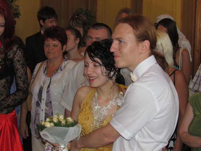 В Мариуполе Алиса в желтом платье вышла замуж за шляпника без шляпы (ФОТО), фото-3