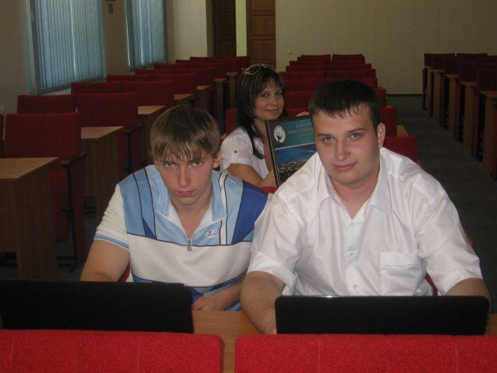Великолепная семерка  мариупольских выпускников  ПГТУ привезла из Донецка часы, значки и ноутбуки (ФОТО), фото-1
