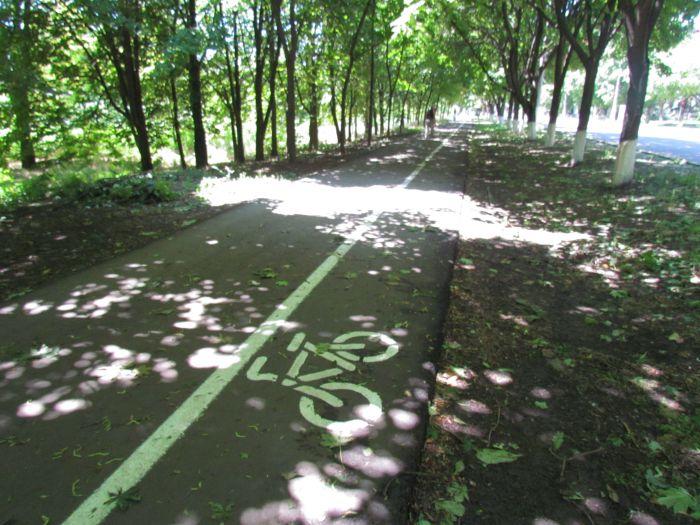 В Мариуполе появилась первая велодорожка (ФОТО), фото-1