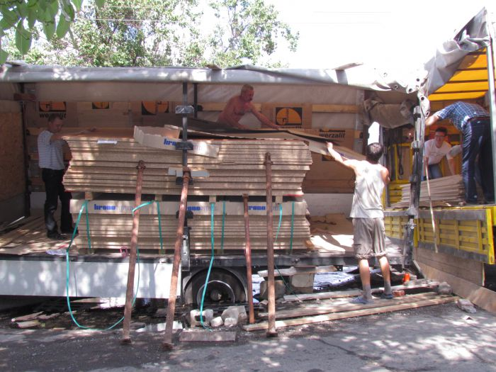 В Мариуполе сотрудники МЧС спасли из дорожного плена «японца» (ФОТО), фото-6
