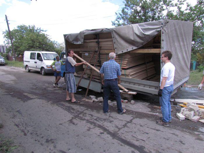 В Мариуполе сотрудники МЧС спасли из дорожного плена «японца» (ФОТО), фото-5