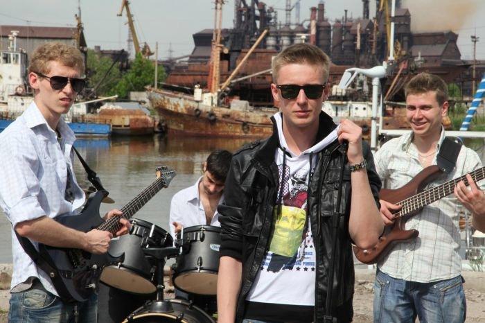 Киевская музыкальная группа «140 Д» сняла в Мариуполе клип (ФОТО+ВИДЕО), фото-1