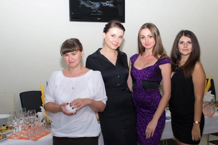 Мариупольским кинолюбителям устроили закрытый показ  фильма «Пять невест» (ФОТО), фото-8