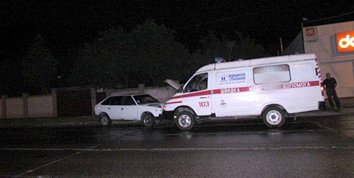 В Мариуполе карета скорой помощи попала в ДТП (ФОТО+ ВИДЕО), фото-1