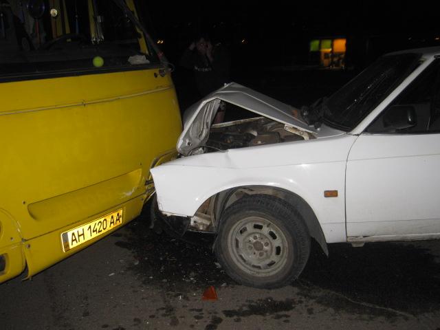 В Мариуполе легковушка протаранила маршрутку (ФОТО), фото-2