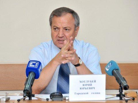 Мэр Мариуполя пообещал до конца года отремонтировать все кровли, балконы и козырьки , фото-1