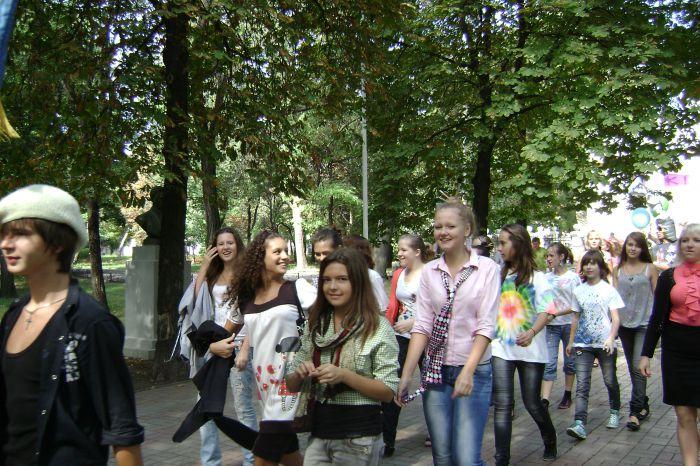 В Мариуполе  полтысячи лицеистов вышли на «Парад эпох» (ФОТО), фото-4