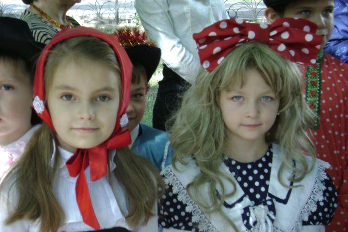 В Мариуполе  полтысячи лицеистов вышли на «Парад эпох» (ФОТО), фото-15