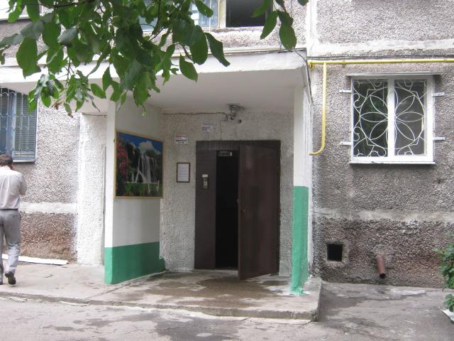 В Мариуполе жители за 2 года превратили заброшенный пустырь в лучший двор (ФОТО), фото-14