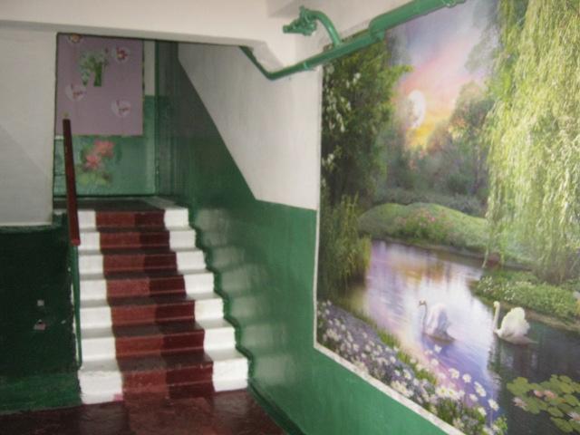 В Мариуполе жители за 2 года превратили заброшенный пустырь в лучший двор (ФОТО), фото-21