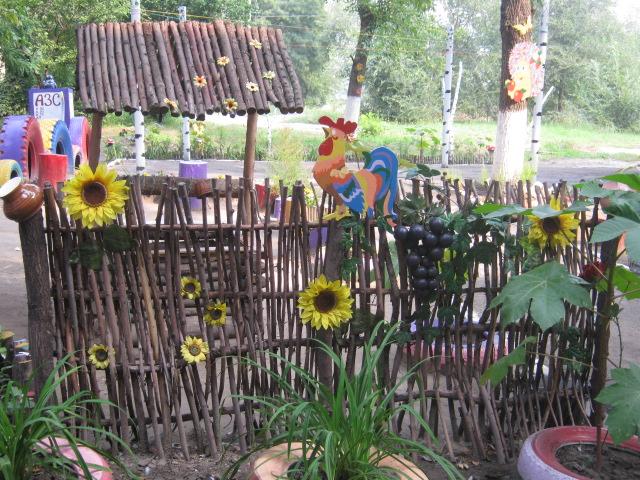 В Мариуполе жители за 2 года превратили заброшенный пустырь в лучший двор (ФОТО), фото-4