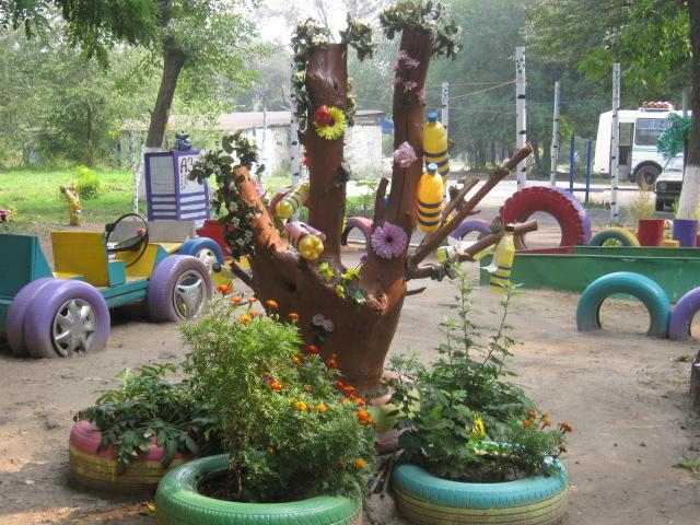 В Мариуполе жители за 2 года превратили заброшенный пустырь в лучший двор (ФОТО), фото-9