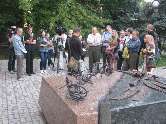 В Мариуполе почтили память  Георгия Гонгадзе (ФОТО), фото-4