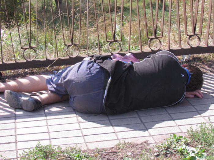 Мариупольцы верны себе: в День города пили без меры (ФОТО), фото-1