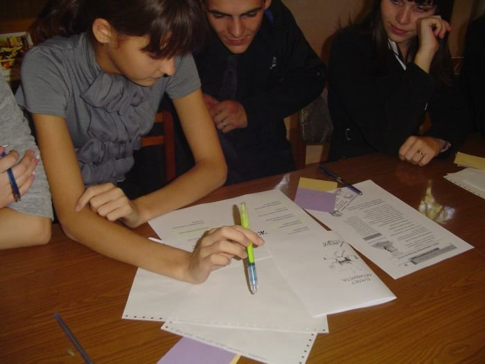 Мариупольские школьники узнали, что такое гендер и познакомились с методикой креативного мышления «Loesje»(ФОТО), фото-1