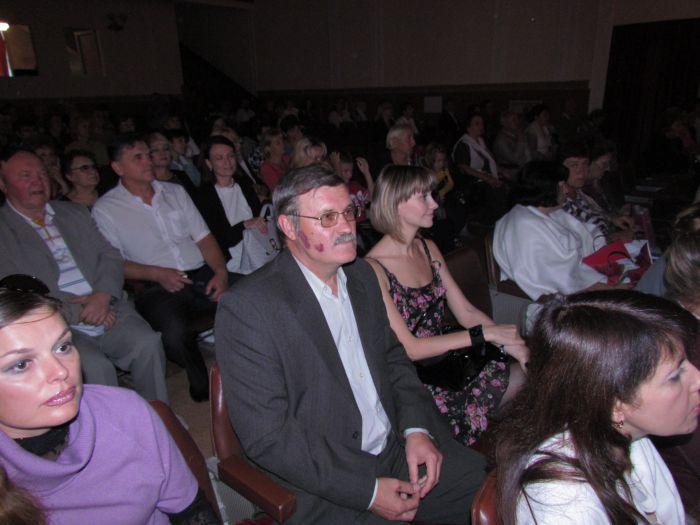 В Мариуполе сегодня  прошло самое крупное книжное событие года (Фоторепортаж), фото-17