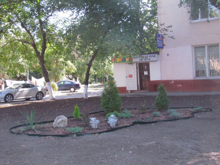 В Мариуполе есть люди, которые за собственные средства делают город красивее (ФОТО), фото-2
