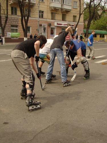 В Мариуполе пройдет чемпионат по хоккею на роликовых коньках, фото-1