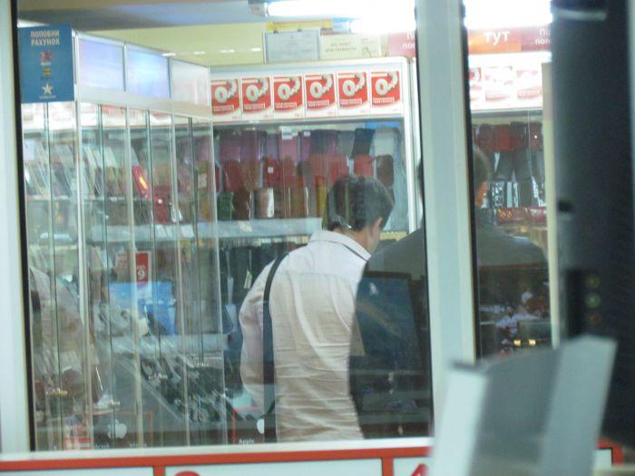 На отдел  мариупольского ЦУМа  «наехали»  сотрудники Донецкого ОБЭП (ФОТО), фото-3