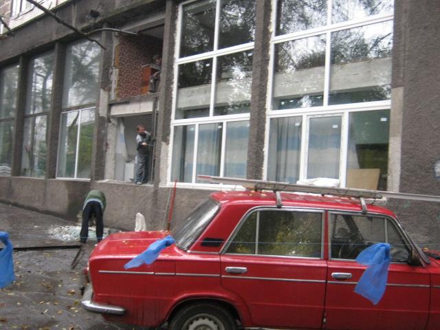 Мариупольский шахматный клуб будет смотреть на город «новыми глазами» - в здании меняют окна (ФОТО), фото-2