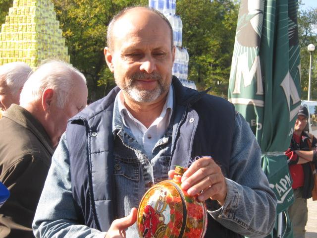Мариупольский чиновник купил на ярмарке колокольчик для любимой тещи (ФОТО), фото-9