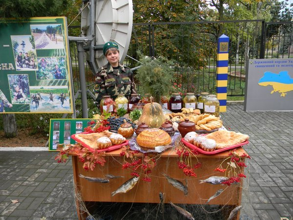 В Новоазовске пограничники устроили праздник урожая (ФОТО), фото-3