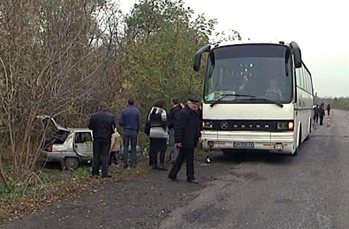 «Таврия» сбила на остановке 10 пассажиров автобуса «Мариуполь - Северодонецк» (ФОТО), фото-2