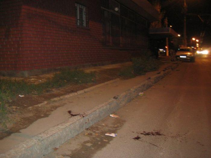 «Разборки» в  ночном Мариуполе. Раненный в сердце мужчина дошел до ближайшего кафе и упал там, лишившись чувств (ФОТО), фото-6
