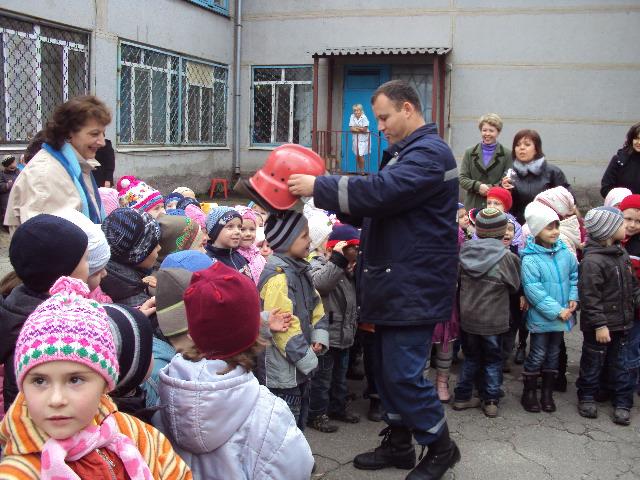 Мариупольских малышей научили правилам пожарной безопасности (ФОТО), фото-2