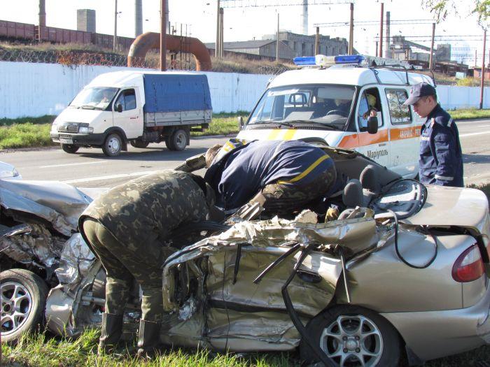 Жуткое ДТП на ул. Набережной в Мариуполе. Автобус столкнулся с легковушкой. Водитель авто погиб на месте (Дополнено. ФОТО), фото-13