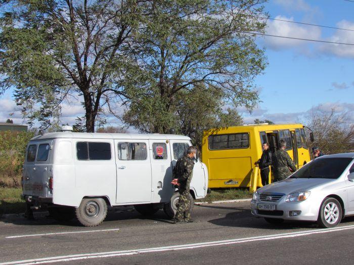 Жуткое ДТП на ул. Набережной в Мариуполе. Автобус столкнулся с легковушкой. Водитель авто погиб на месте (Дополнено. ФОТО), фото-19