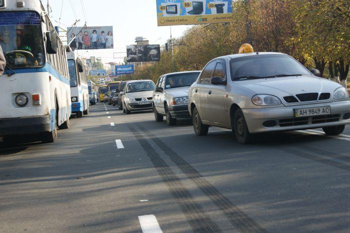 В Мариуполе ни дня без аварии с участием маршруток. На пр. Ленина столкнулись «Богдан» и «Форд» (ФОТО), фото-8
